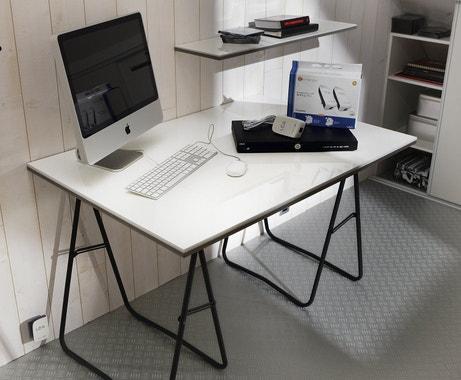 Des tréteaux pour un bureau contemporain