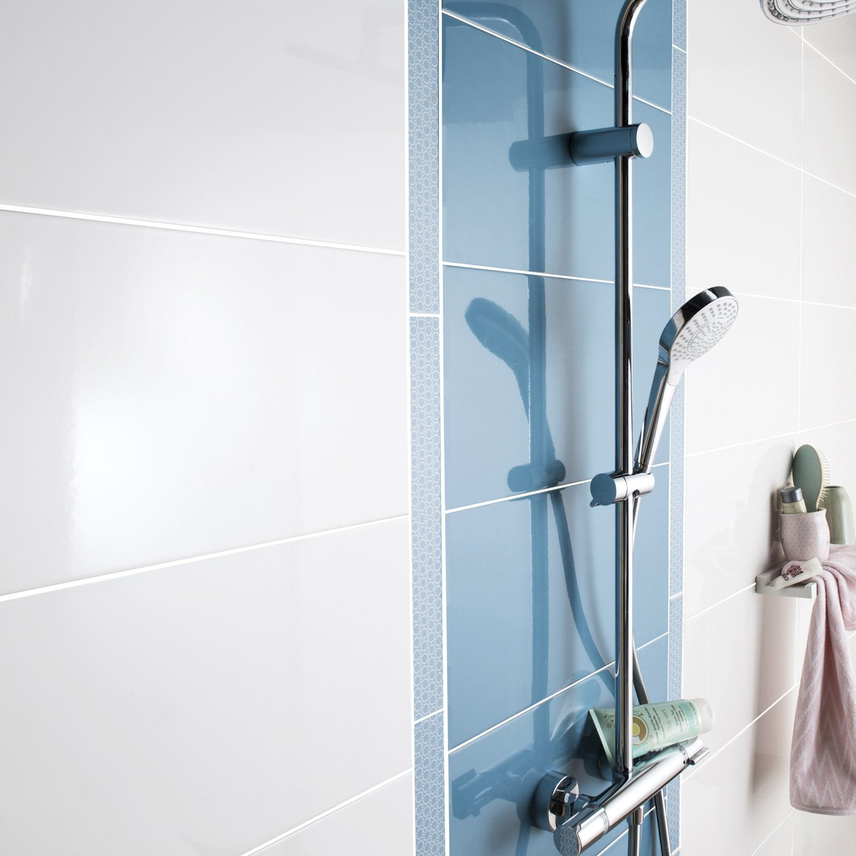 De la couleur bleue dans la salle de bains   Leroy Merlin