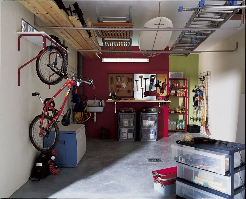 rangements dans le garage leroy merlin. Black Bedroom Furniture Sets. Home Design Ideas