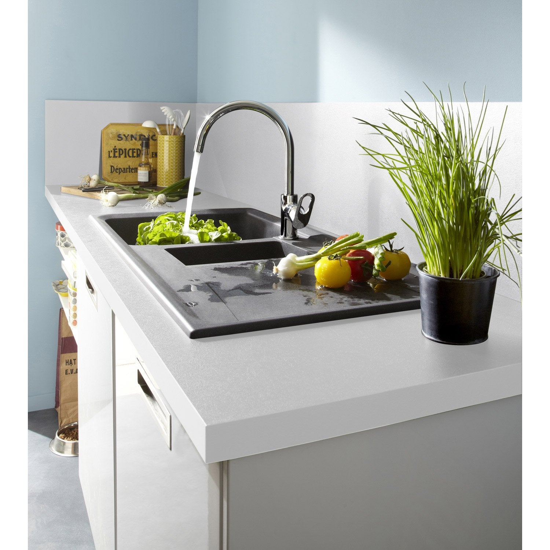plan de travail et cr dence agglom r blanc. Black Bedroom Furniture Sets. Home Design Ideas