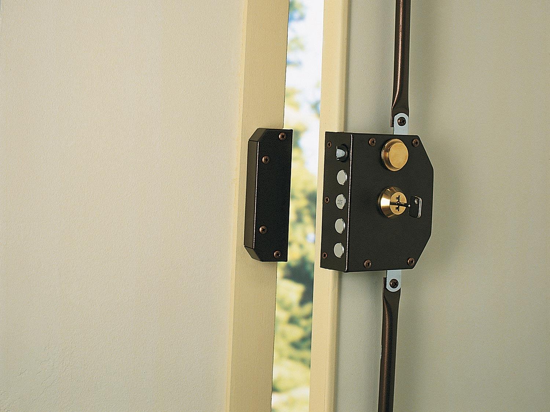 bien choisir ses poign es de portes leroy merlin. Black Bedroom Furniture Sets. Home Design Ideas