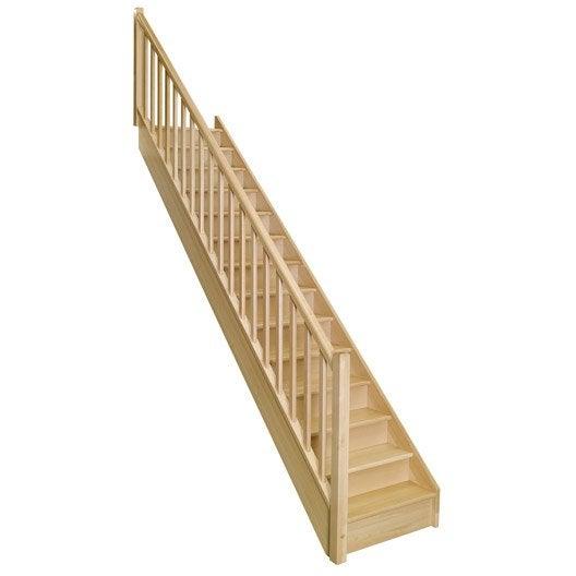 Escalier droit soft classic marches structure bois massif for Escalier interieur leroy merlin