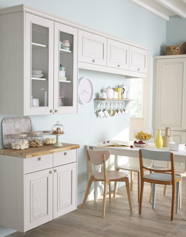 une cuisine blanche au charme romantique pour toute la famille leroy merlin. Black Bedroom Furniture Sets. Home Design Ideas