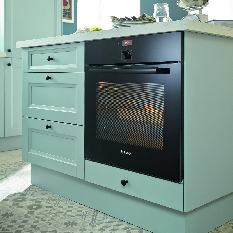 quiper sa cuisine de style campagne avec un four multifonction leroy merlin. Black Bedroom Furniture Sets. Home Design Ideas