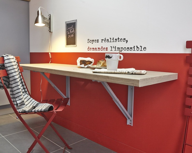 Gagner de l 39 espace avec cette table rabattable leroy merlin for Table de cuisine pliante leroy merlin