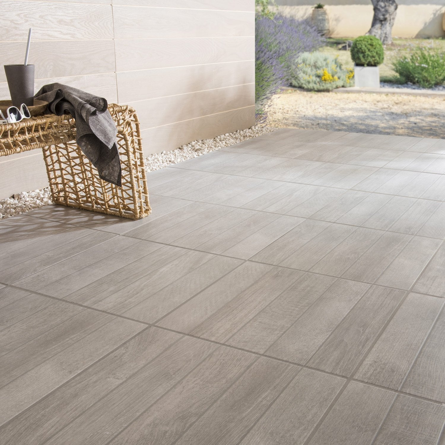 Carrelage sol gris effet bois jungle x cm for Carrelage sol gris