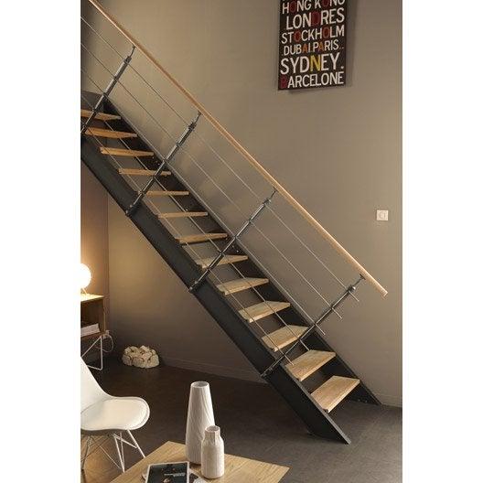 Escalier droit lisa structure m tal marche bois leroy merlin for Type d escalier interieur