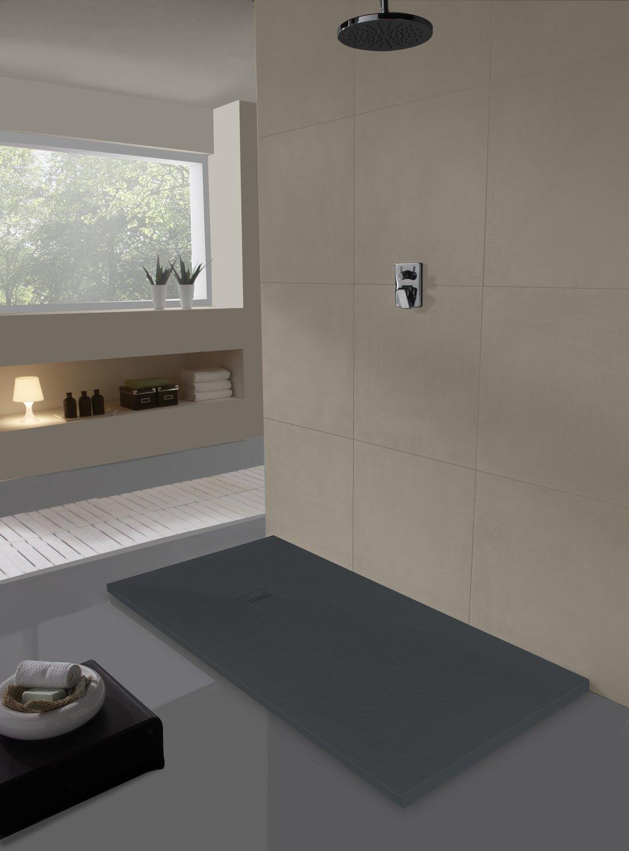 Une salle de bains au style design avec un grand receveur de douche en r sine noir leroy merlin - Salle de douche design ...