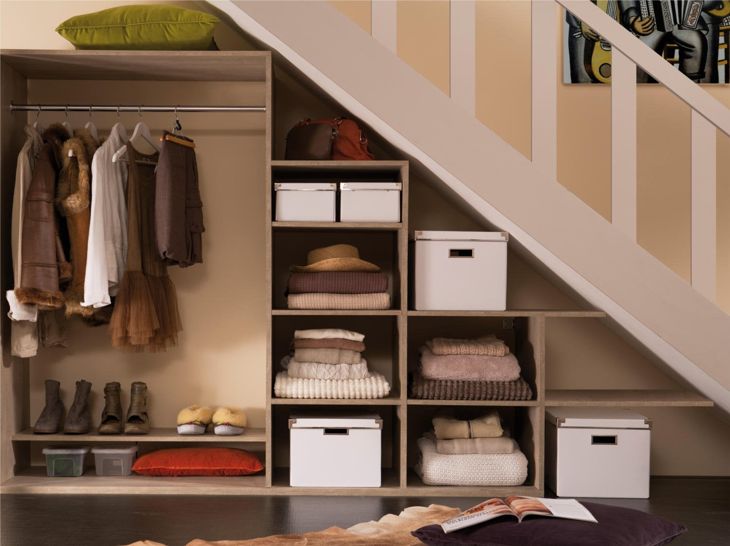 Comment cr er un dressing sous un escalier leroy merlin for Placard modulable
