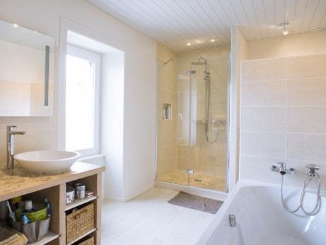 La salle de bains d'Audric à Mortagne-sur-Sèvre