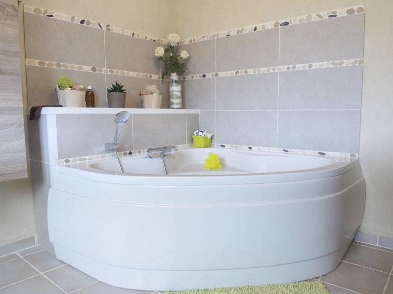 La baignoire de magalie leroy merlin - Peut on repeindre une baignoire ...