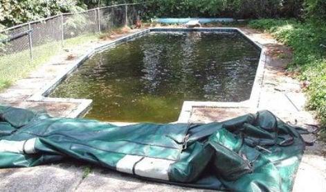 tout savoir sur l 39 entretien de la piscine leroy merlin. Black Bedroom Furniture Sets. Home Design Ideas