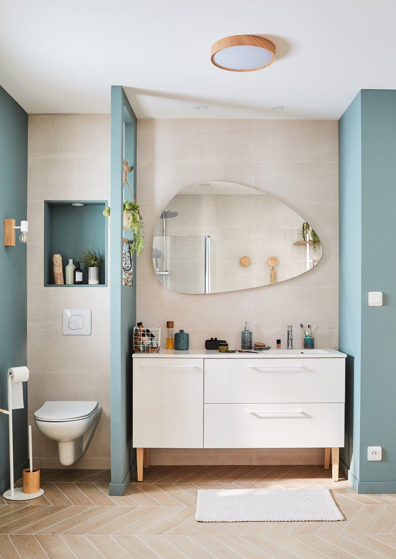 Meuble de salle de bains avec une grande capacité de rangement