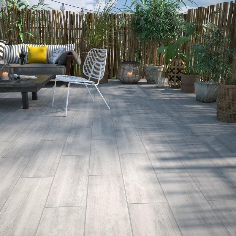 Offrez votre terrasse un carrelage blanc effet bois for Carrelage terrasse effet bois