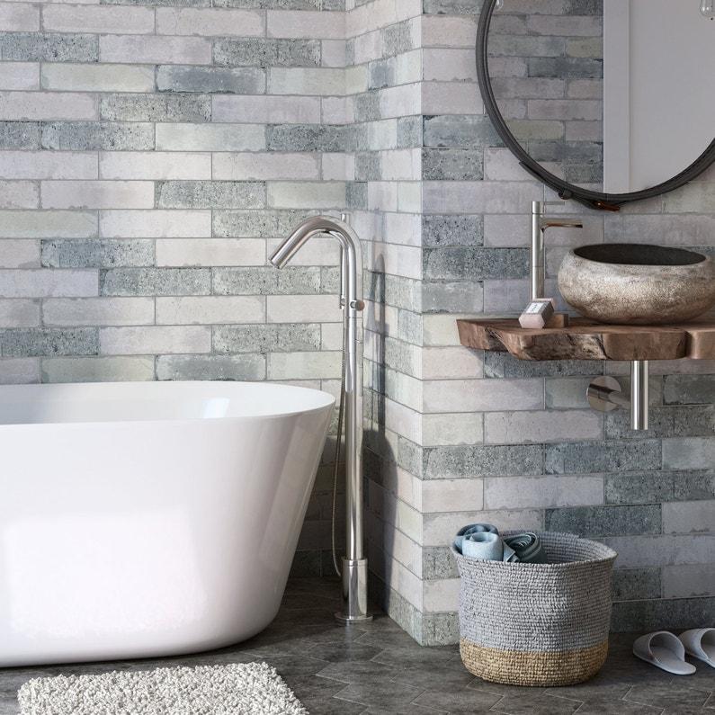 donnez un cachet aux murs de la salle de bains avec un carrelage effet calcaire beige leroy. Black Bedroom Furniture Sets. Home Design Ideas
