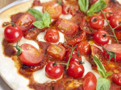 La Recette Du Chef Pizza Aux Tomates Fraîches Et Confites