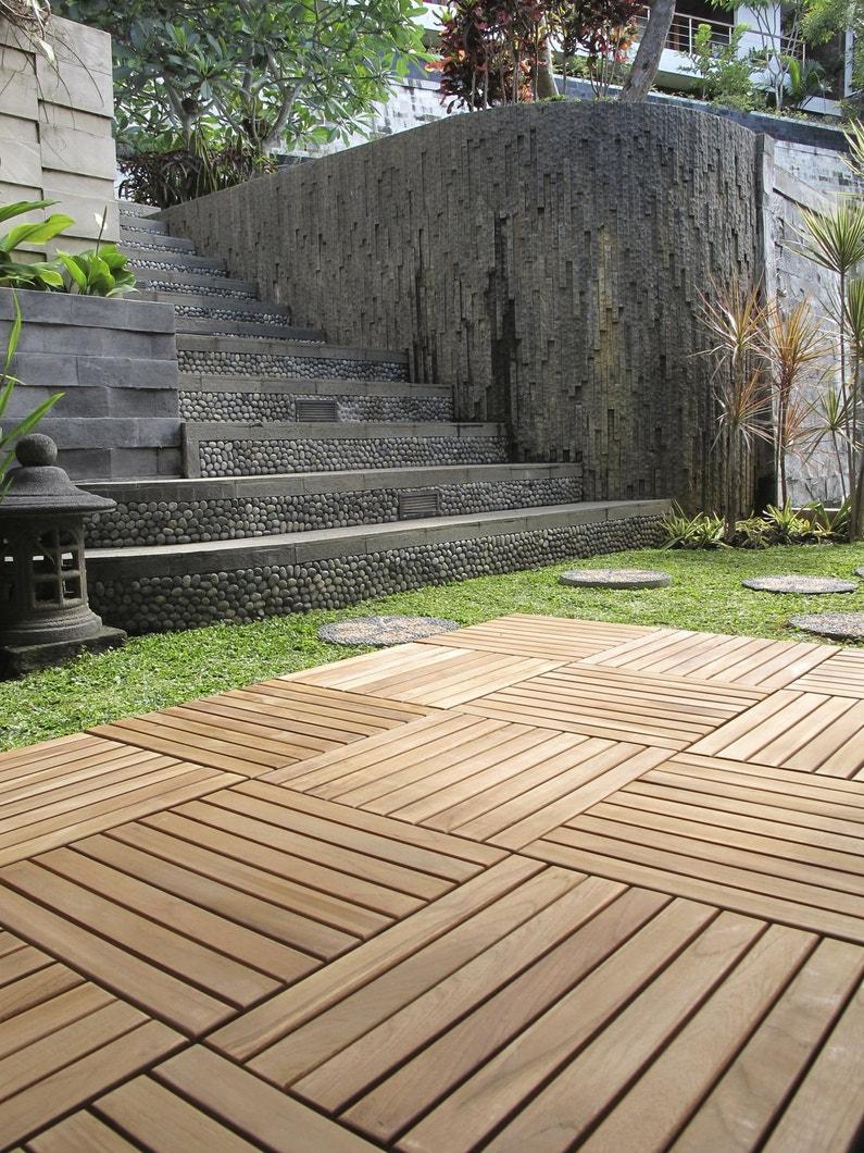le bois passe en terrasse. Black Bedroom Furniture Sets. Home Design Ideas