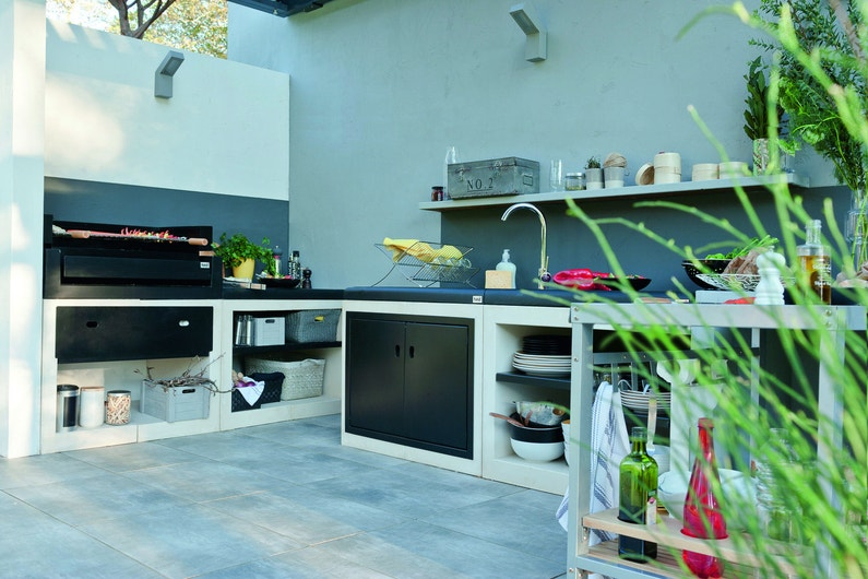 Une cuisine ext rieure avec plancha - Barbacoa leroy merlin obra ...