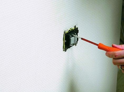 Comment remplacer un interrupteur par un d tecteur de - Detecteur de presence pour eclairage interieur ...