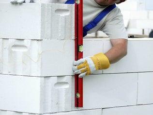Construire un mur en béton cellulaire
