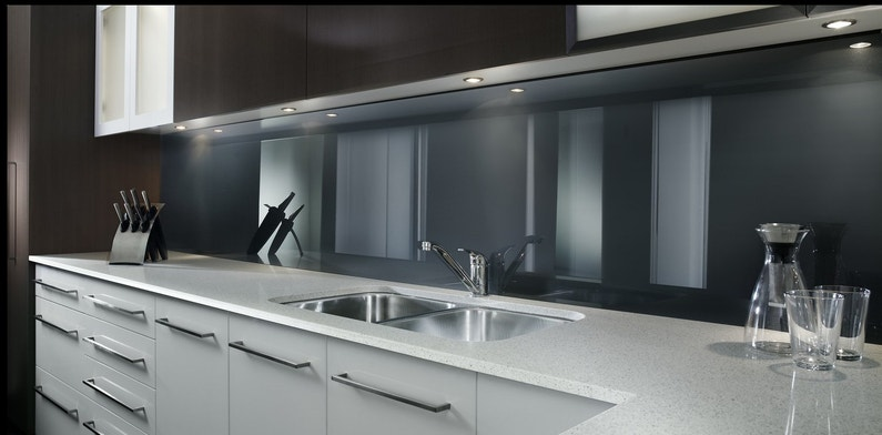 credence acrylique. Black Bedroom Furniture Sets. Home Design Ideas