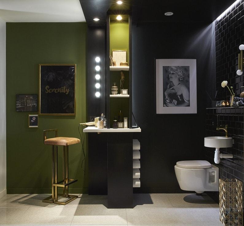 Une salle de bains noire et verte au style chic | Leroy Merlin
