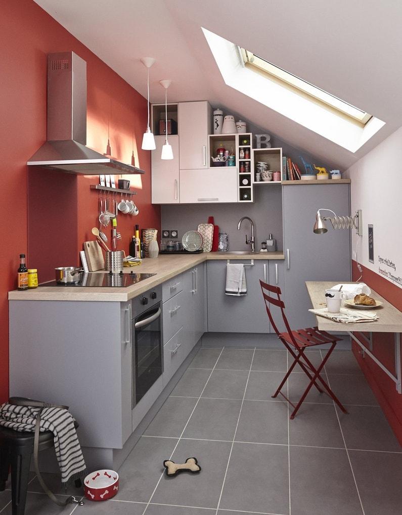 Une cuisine astucieuse pour les petites surfaces for Cuisine equipee pour petite surface