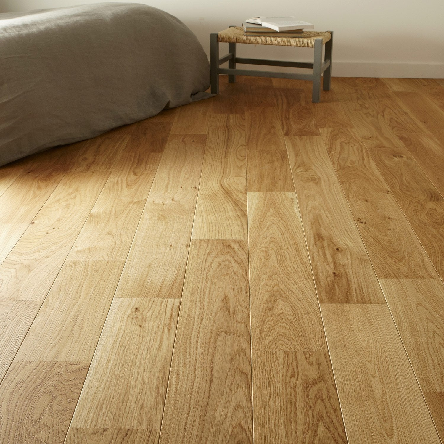 Parquet contrecoll ch ne blond vitrifi l broceliande for Video pose de parquet flottant a clipser