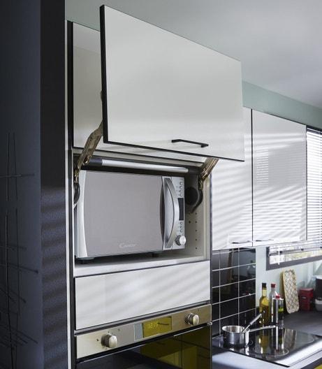Des portes astucieuses dans la cuisine