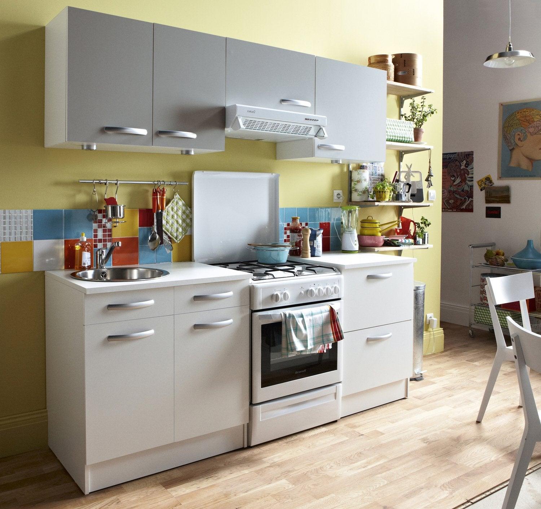 une cuisine quip e en ch ne clair leroy merlin. Black Bedroom Furniture Sets. Home Design Ideas