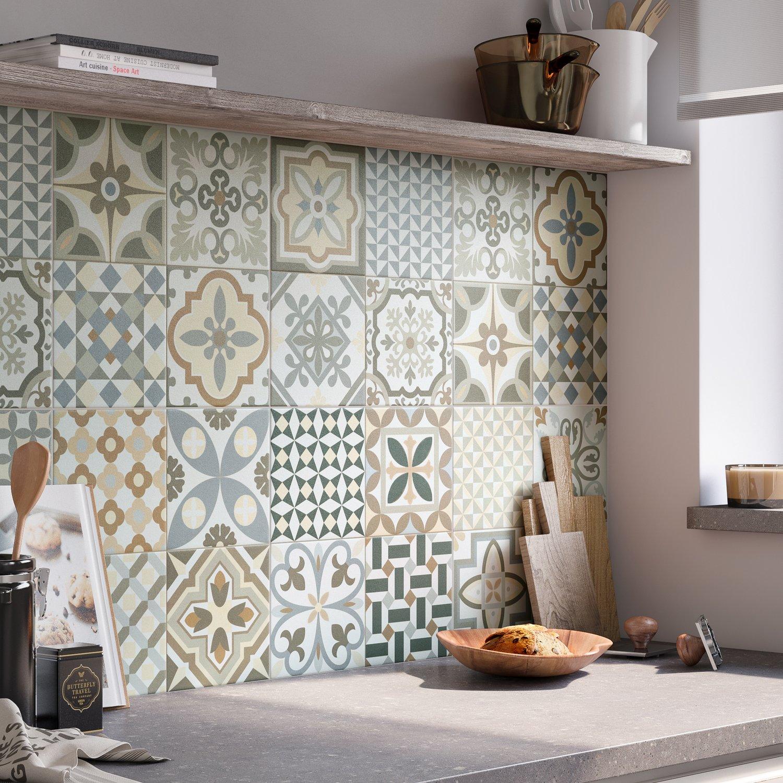 embellir votre cuisine avec un carrelage multicolore. Black Bedroom Furniture Sets. Home Design Ideas