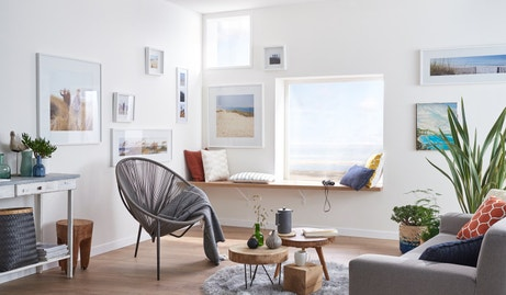 Une composition de cadres qui joue avec la fenêtre