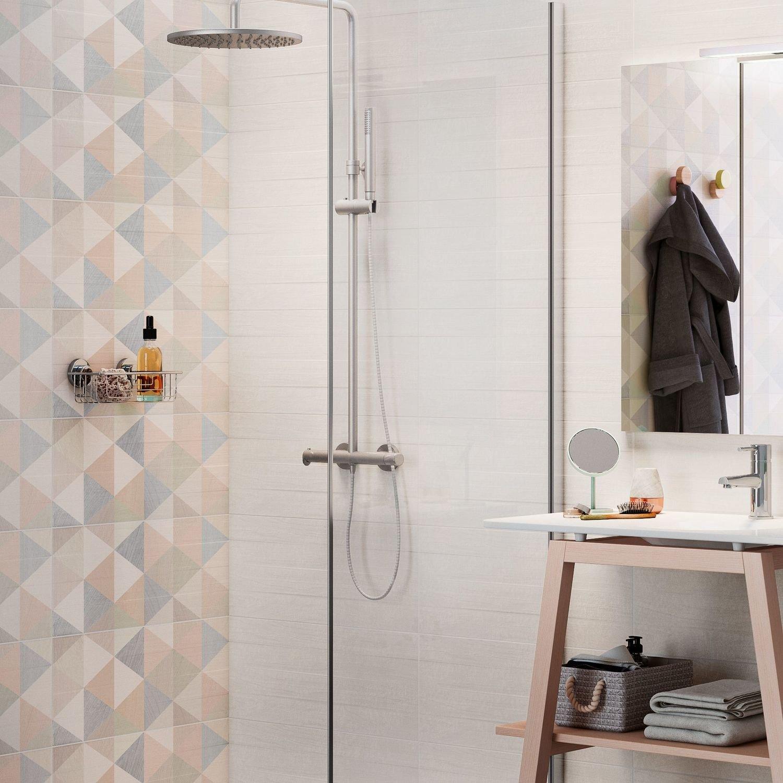 embellir la salle de bains avec un carrelage style scandinave