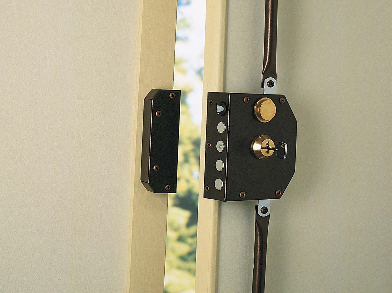 bien choisir son cylindre de serrure leroy merlin. Black Bedroom Furniture Sets. Home Design Ideas