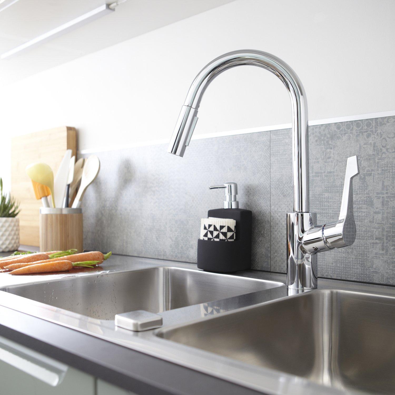 un robinet en inox tout en courbe leroy merlin. Black Bedroom Furniture Sets. Home Design Ideas