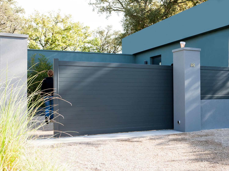portail coulissant aluminium concarneau gris naterial l. Black Bedroom Furniture Sets. Home Design Ideas