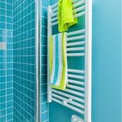 Sèche-serviettes électrique à inertie fluide CELCIA Droit 500 W