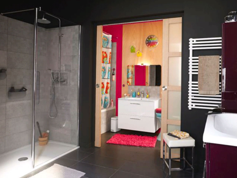 Du grand confort dans une petite salle de bains leroy merlin - Etagere salle de bain leroy merlin ...