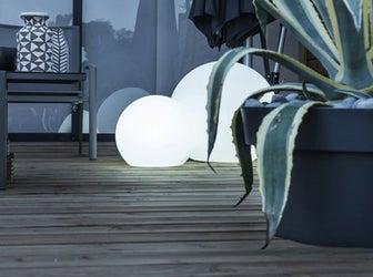Tout savoir sur l 39 clairage ext rieur leroy merlin for Eclairage exterieur pour jardin