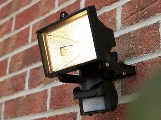 Brancher un projecteur avec détecteur de mouvements