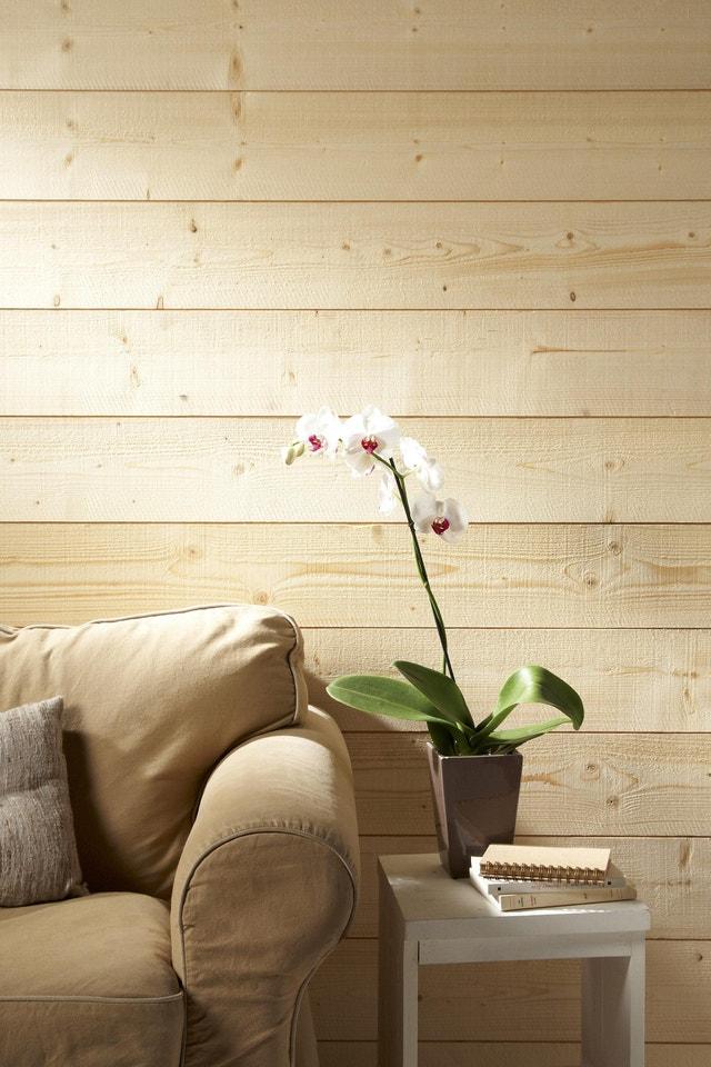 du lambris en bois clair dans la chambre leroy merlin. Black Bedroom Furniture Sets. Home Design Ideas