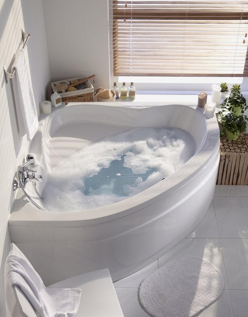 une baignoire d 39 angle dans une salle de bains zen leroy. Black Bedroom Furniture Sets. Home Design Ideas