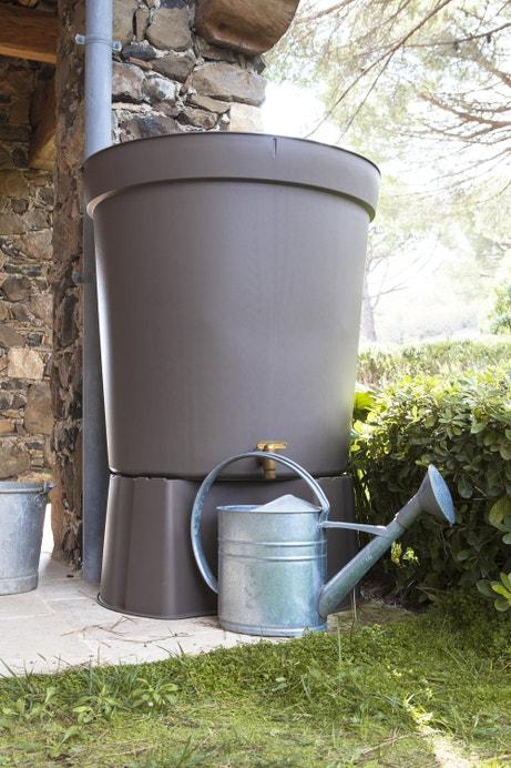 Un récupérateur d'eau aérien