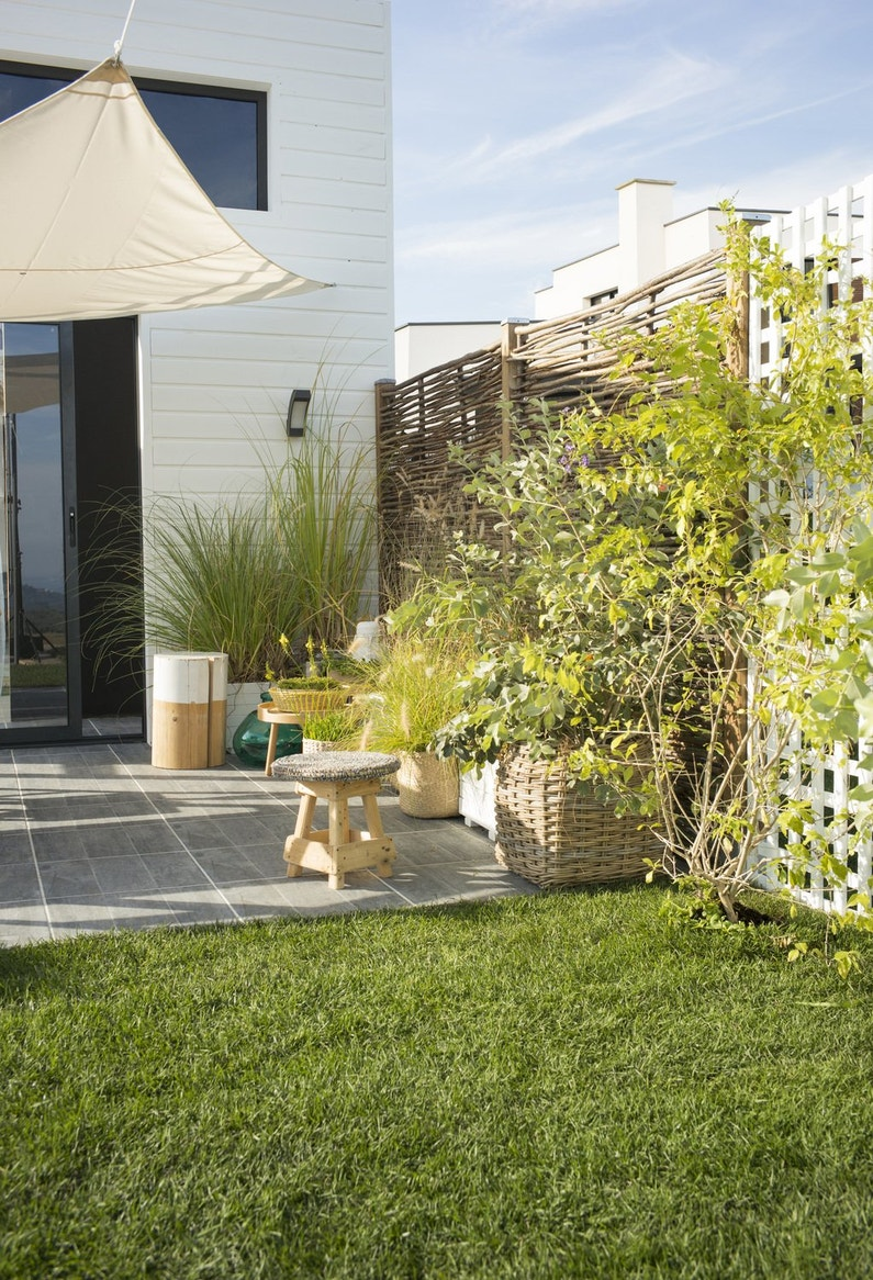 se prot ger des regards avec une cl ture fleurie leroy. Black Bedroom Furniture Sets. Home Design Ideas