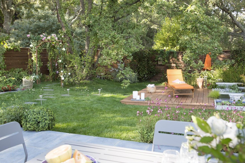 Un jardin verdoyant et bien organisé