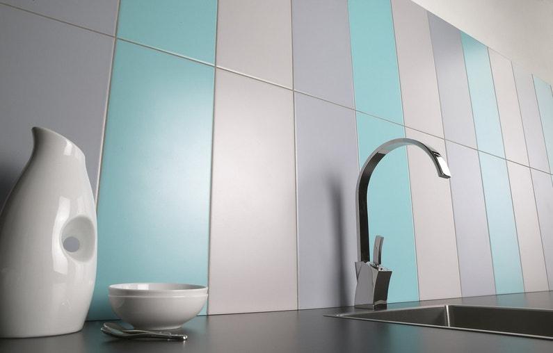 du carrelage bleu et gris dans la cuisine leroy merlin. Black Bedroom Furniture Sets. Home Design Ideas