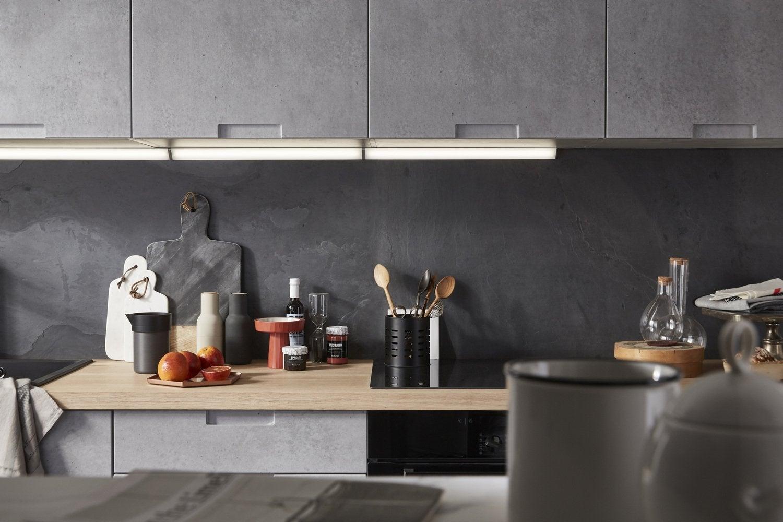 des poignes intgres dans les portes pour une cuisine pure. Black Bedroom Furniture Sets. Home Design Ideas