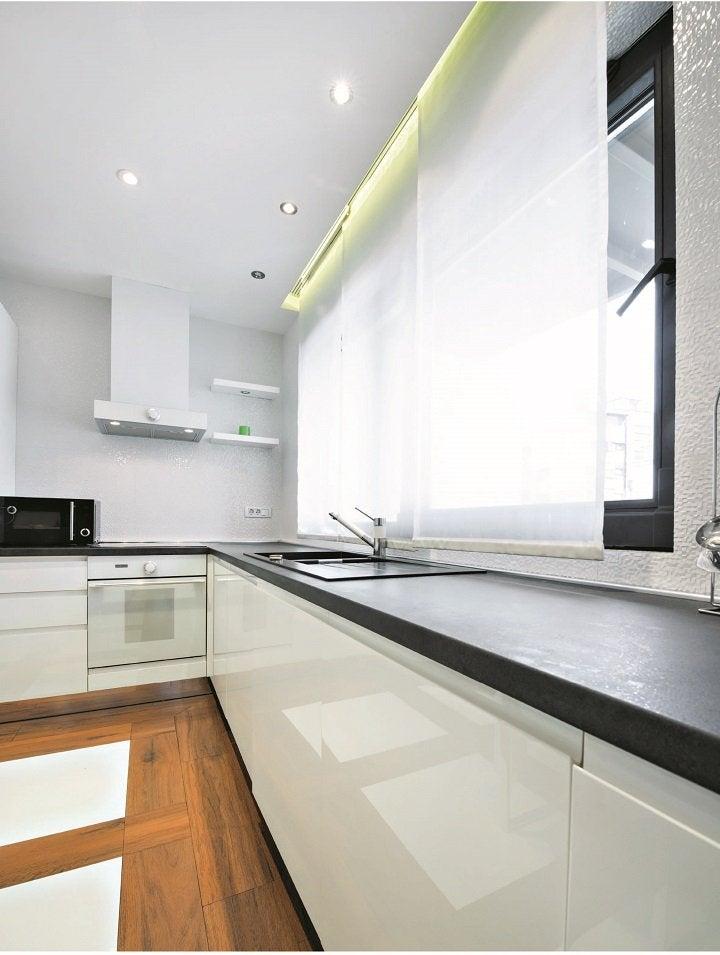 recouvrir un plan de travail beautiful poser un plan de travail cuisine incroyable recouvrir. Black Bedroom Furniture Sets. Home Design Ideas