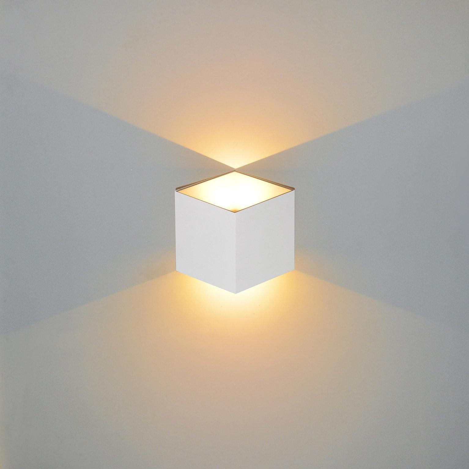 Applique, design aluminium blanc led intégrée LUSSIOL Jazzy