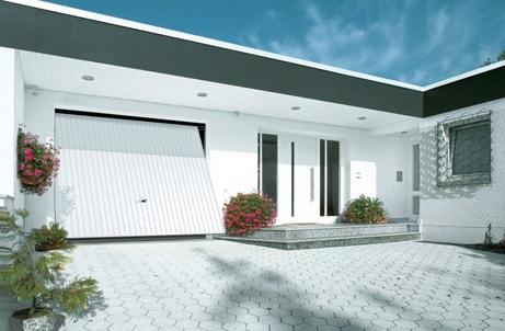 Porte de garage electrique blanche